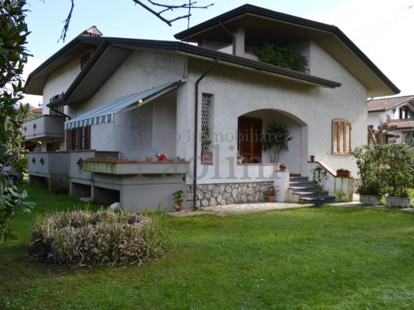 Riferimento V160 - Semi-detached House for Affitto in Cinquale