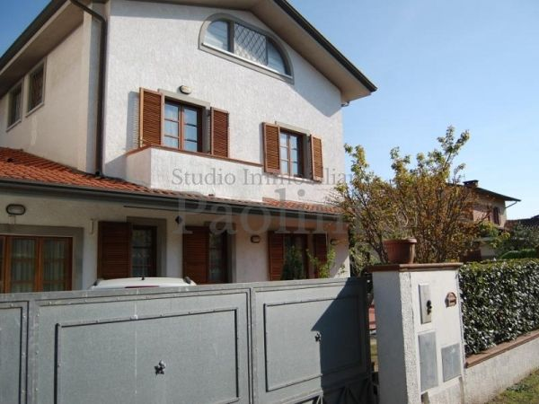 Riferimento V385 - Semi-detached House for Affitto in Cinquale